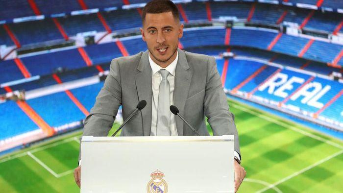 Eden Hazard langsung ditanya-tanya soal Kylian Mbappe dan Paul Pogba saat diperkenalkan sebagai pemain Real Madrid (Angel Martinez/Getty Images)