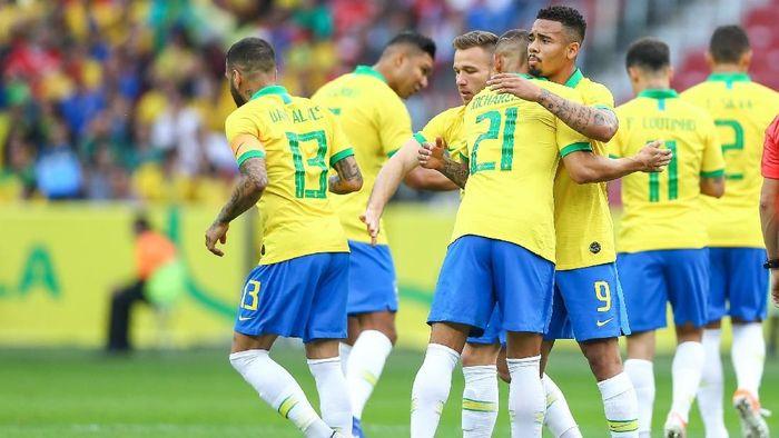 Penampilan apik Brasil saat menang atas Peru puaskan Tite (Foto: Lucas Uebel/Getty Images)