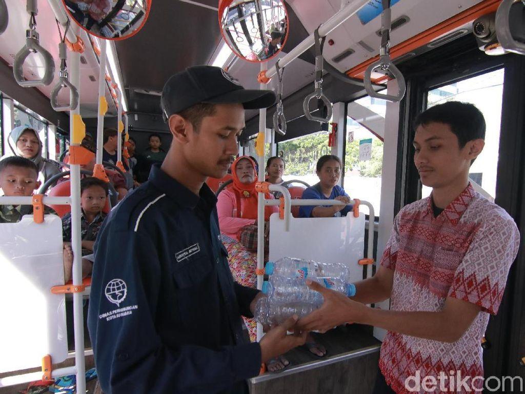 Keren, 39 Ton Sampah Botol Plastik Tiket Bus Suroboyo Laku Rp 150 Juta