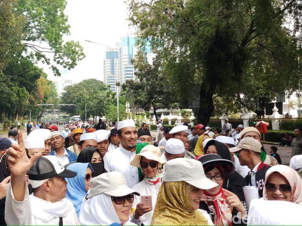 Ketum FPI Sobri Lubis Merapat Ikut Demo Kawal Sidang MK