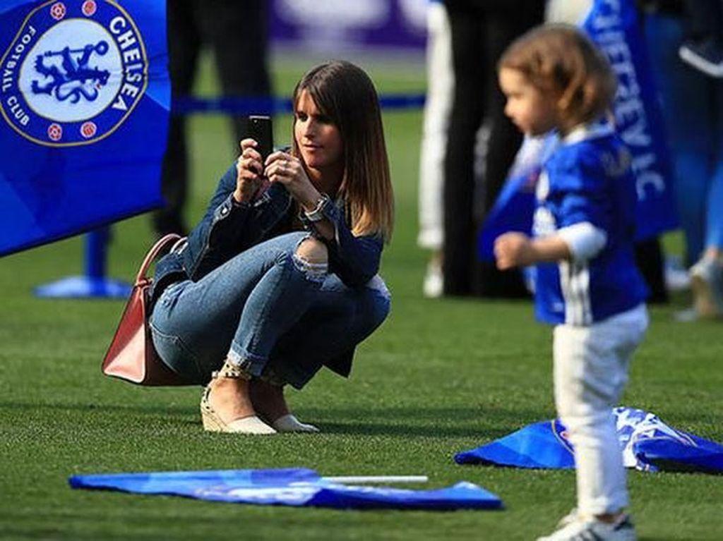 Natacha Hazard, WAGs Baru Real Madrid yang Jauh dari Sorotan
