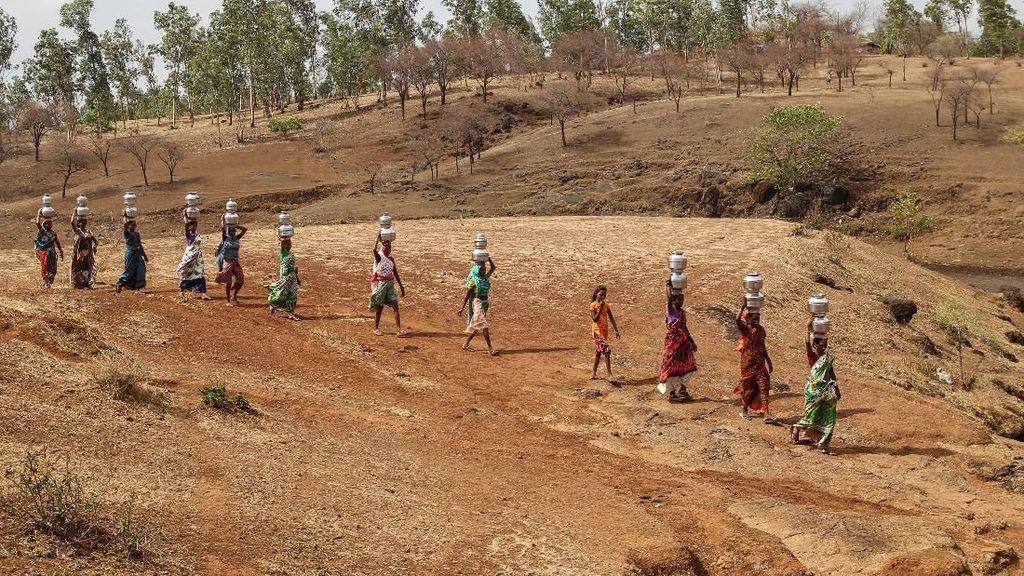 Potret Warga India Bertahan Hidup di Tengah Krisis Air Bersih