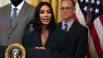 Kim Kadarshian Beri Perhatian ke Mantan Napi Soal Transportasi