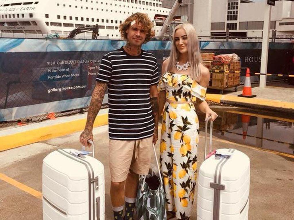 Pasangan Ini Cari Biaya Nikah dengan Mengais Sampah, Hasilkan Rp 86 Juta