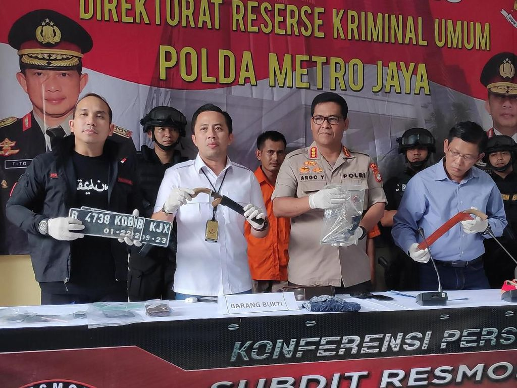 Komplotan Pencuri Motor Bersenpi Ditangkap, 1 Pelaku Tewas Ditembak