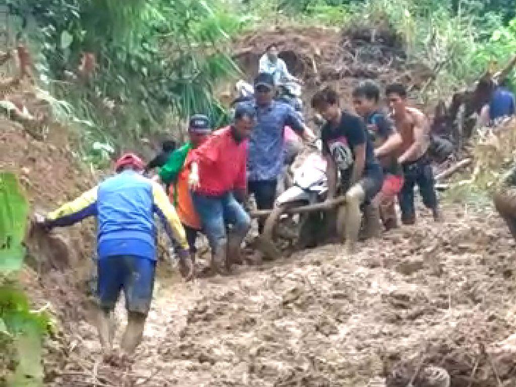 Longsor di Sidrap Sulsel, 3 Dusun Terisolasi