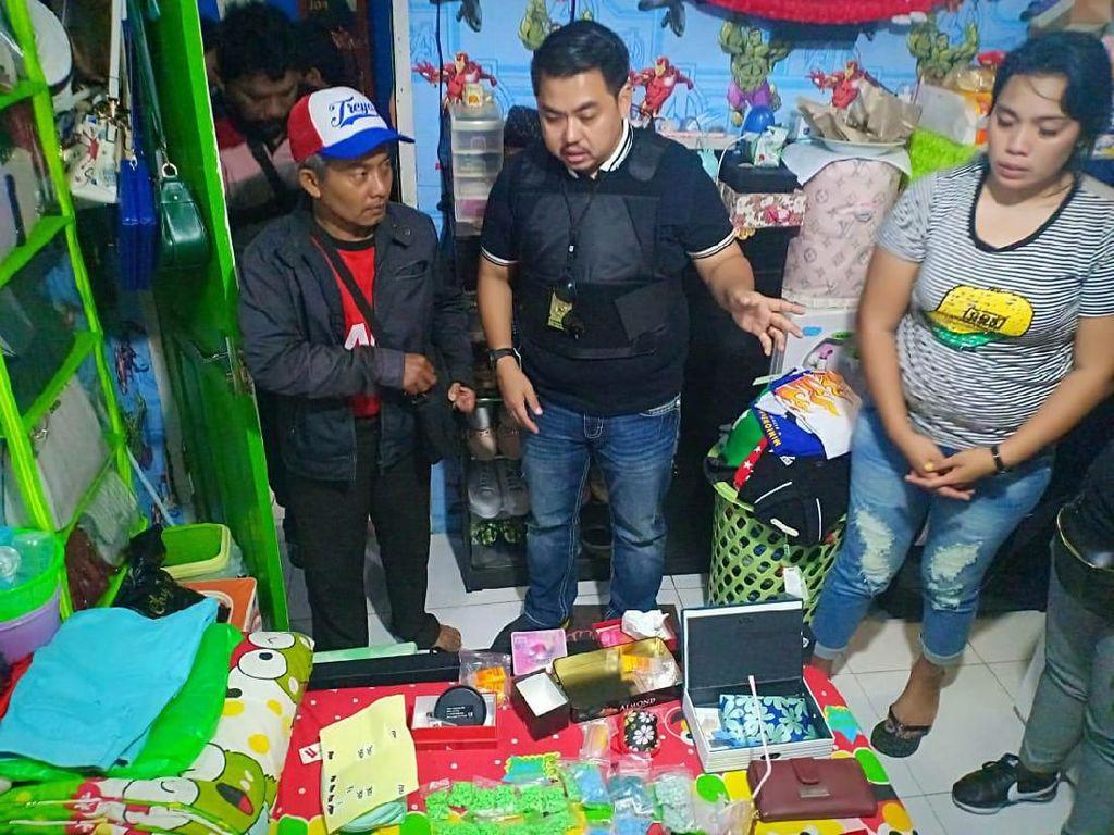 Gerebek Kampung Bahari, Polisi Tangkap Seorang Wanita Kurir Narkoba