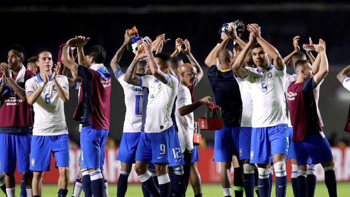 Brasil menang telak atas Bolivia, tapi dicibir karena penampilan tak oke. (Foto: Henry Romero / Reuters)