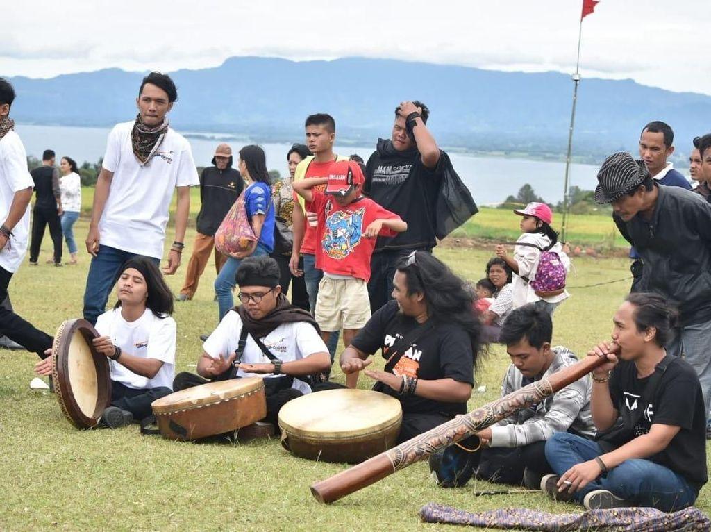 Mengangkat Musik Tradisional di Toba Caldera World Music Festival