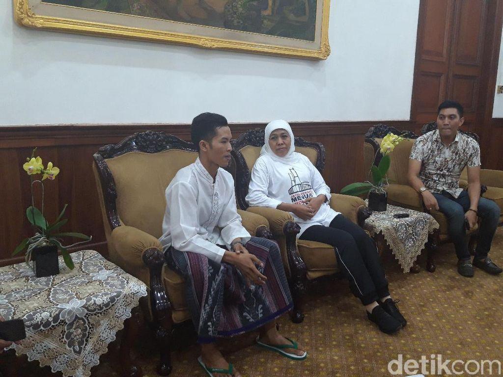 Pemuda Ini Jalan Kaki dari Pasuruan ke Surabaya demi Bertemu Khofifah