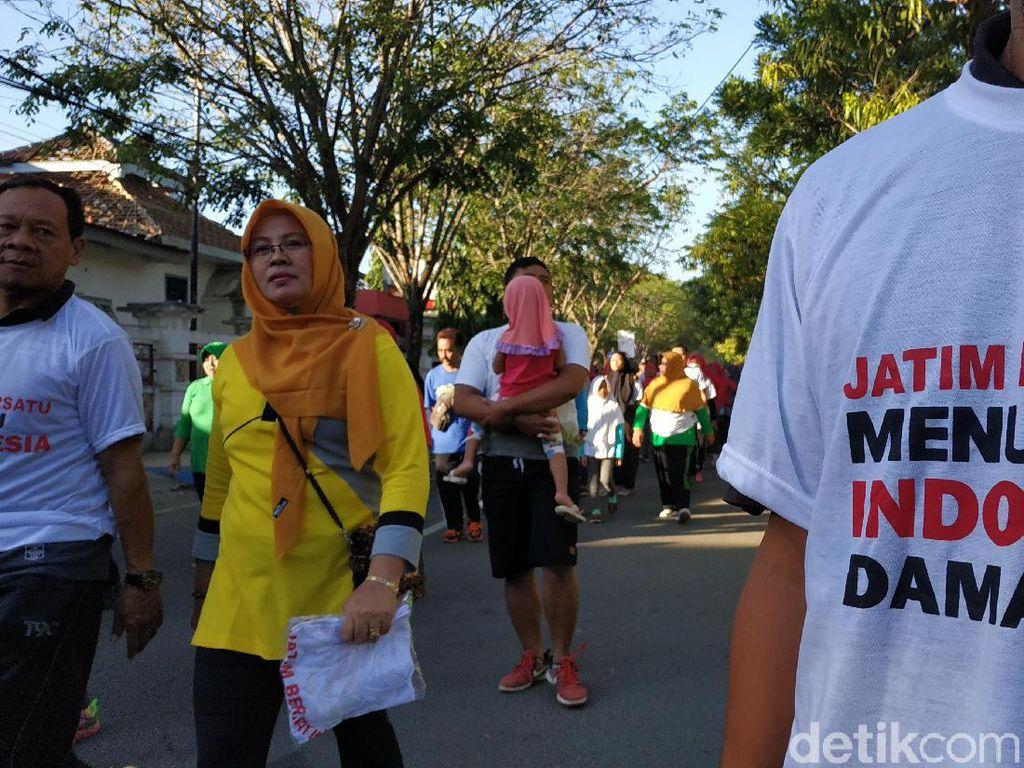 Jalan Sehat Hingga Senam Massal Warnai Aksi Tolak Kerusuhan