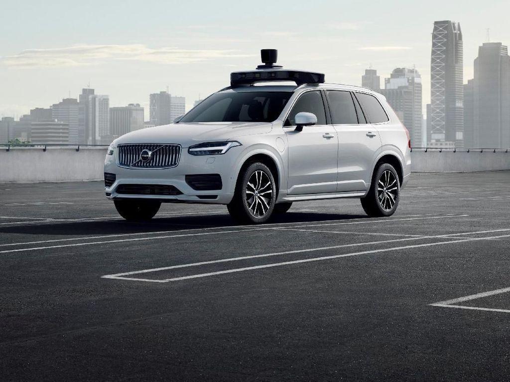 Taksi Tanpa Sopir Uber Siap Produksi
