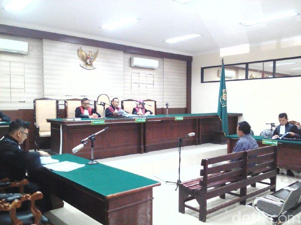 Mantan Wawali Probolinggo Dituntut 6 Tahun 6 Bulan Penjara