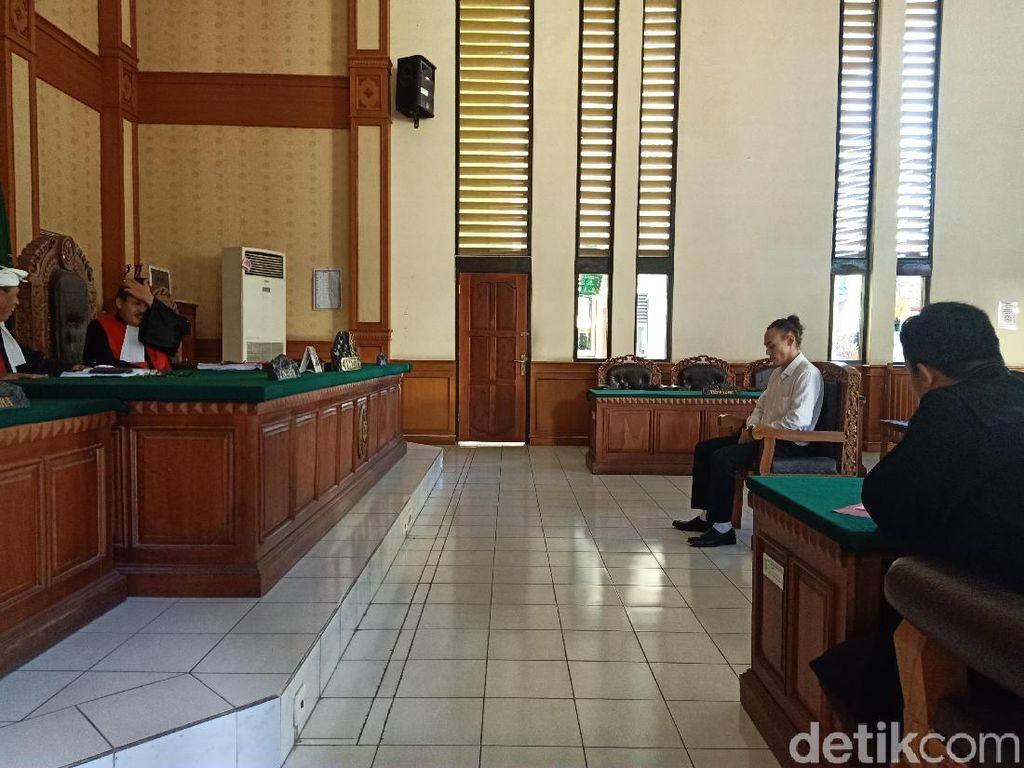 WN Belanda Divonis 2,5 Tahun Bui karena Kasus Narkotika