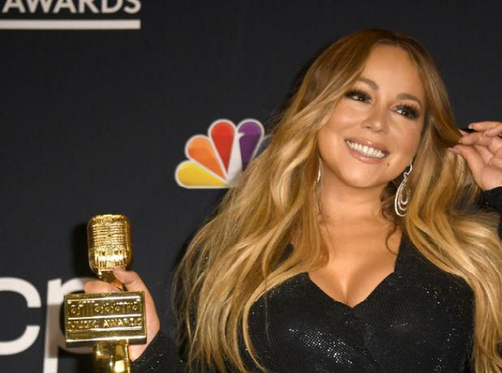 Pesan Kue Ultah Gambar Mariah Carey, Wanita Ini Dapat Kejutan Tak Terduga