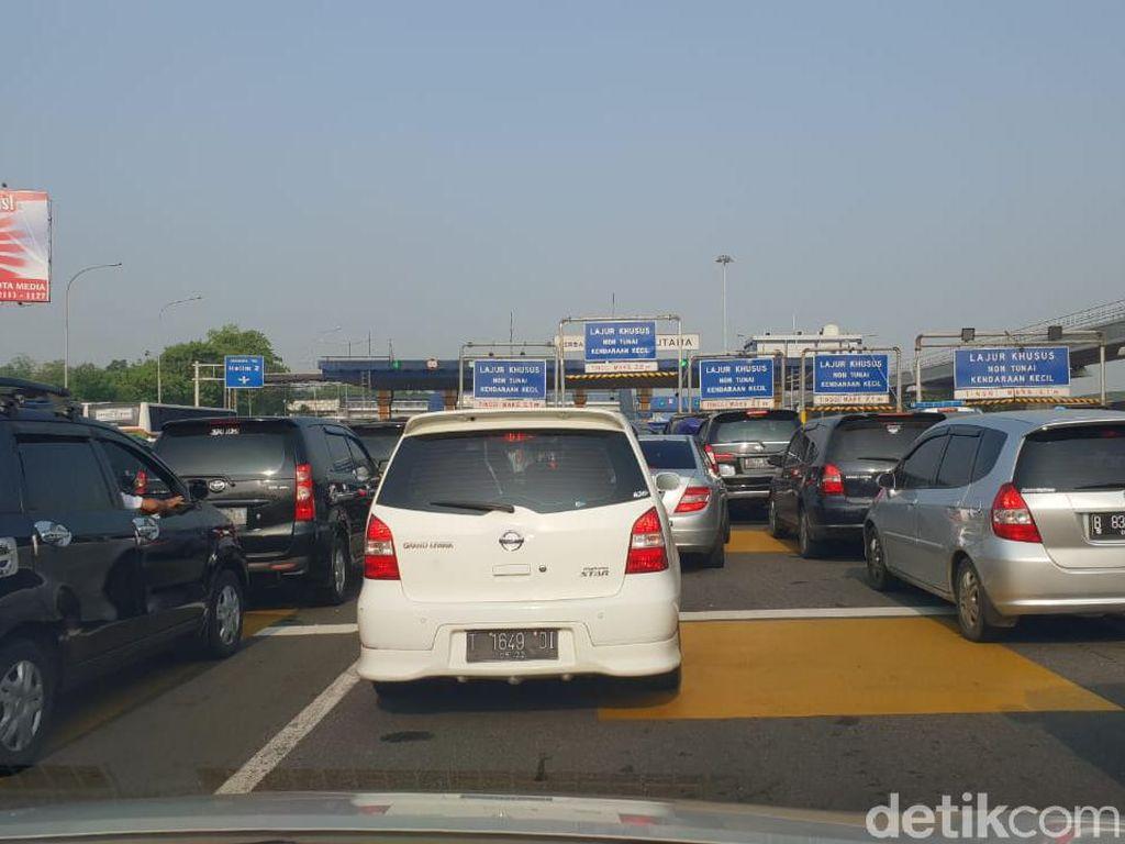 Jakarta Sudah Normal Lagi, Tol Bekasi-Jakarta Macet Parah Sejak Pondok Gede