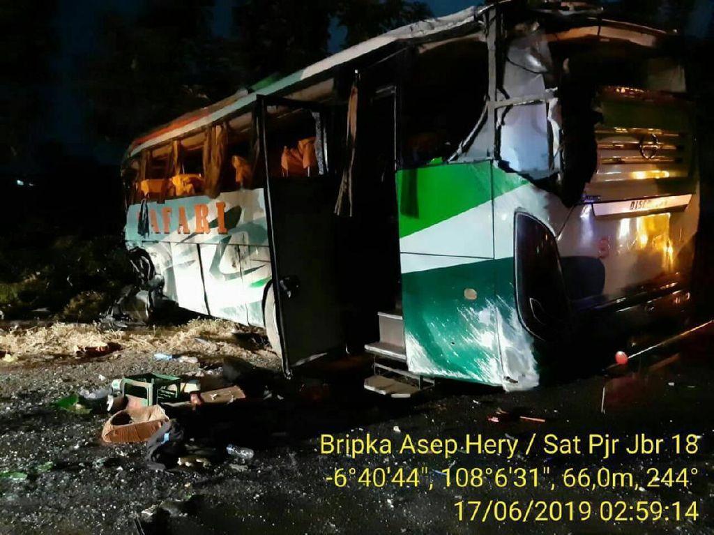 Teka-teki Motif Anshor Serang Bus Safari di Tol Cipali