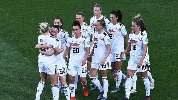 Jerman sudah unggul 3-0 di babak pertama.