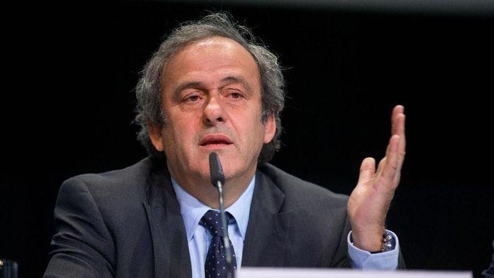 Michel Platini bantah ditahan akibat kasus korupsi Qatar menjadi tuan rumah Piala Dunia 2022 (Philipp Schmidli/Getty Images)