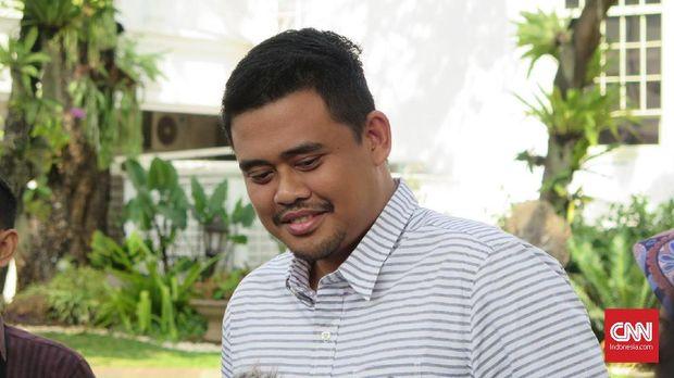 Menantu Presiden Joko Widodo, Bobby Nasution mengaku tak tertarik menjadi pengurus PSSI, di Kompleks Istana Kepresidenan Jakarta, Selasa (18/6).
