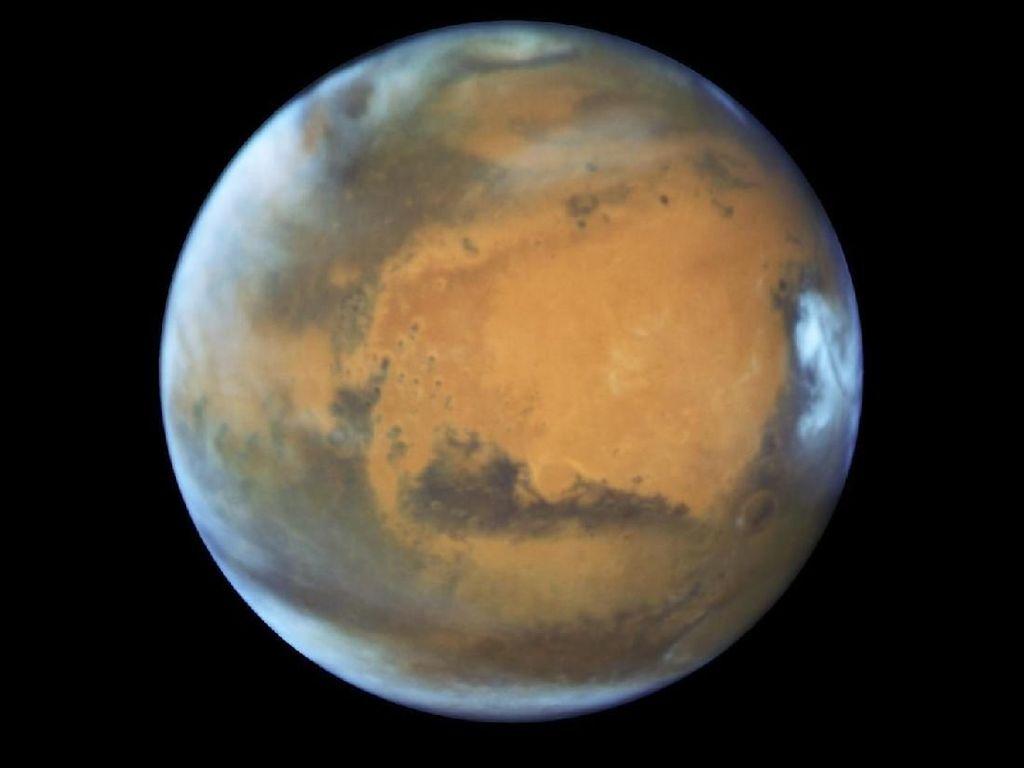 Terungkap! Ini Asal Usul Awan Misterius di Mars