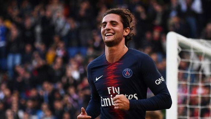 Adrien Rabiot dikabarkan setuju bergabung Juventus. (Foto: Anne-Christine Poujoulat / AFP)