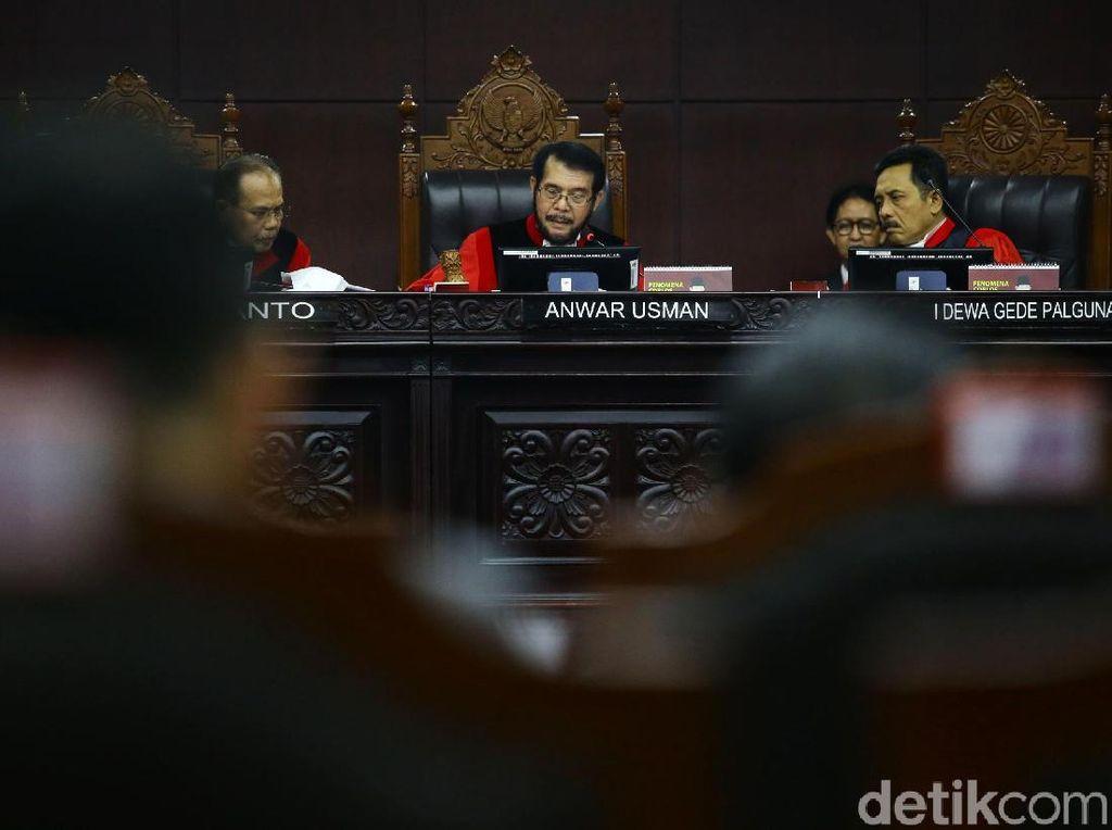 Saksi Prabowo Paparkan Kejanggalan C7 di 3 TPS Bluru Kidul Sidoarjo
