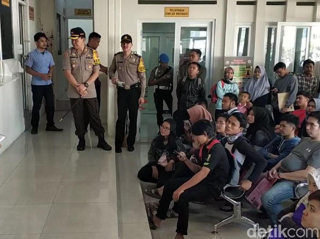 Pemohon SKCK Membeludak, Polresta Sukabumi Tambah Jam Layanan