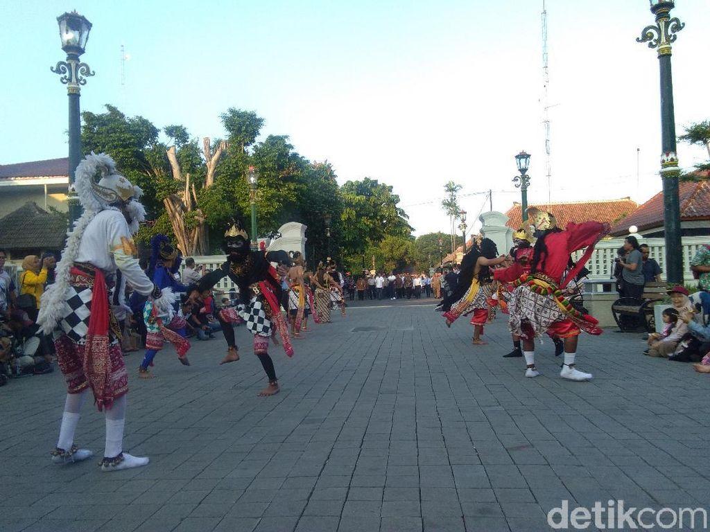 Sultan Ingin Tiap Selasa Wage Ada Pentas Seni Budaya di Malioboro