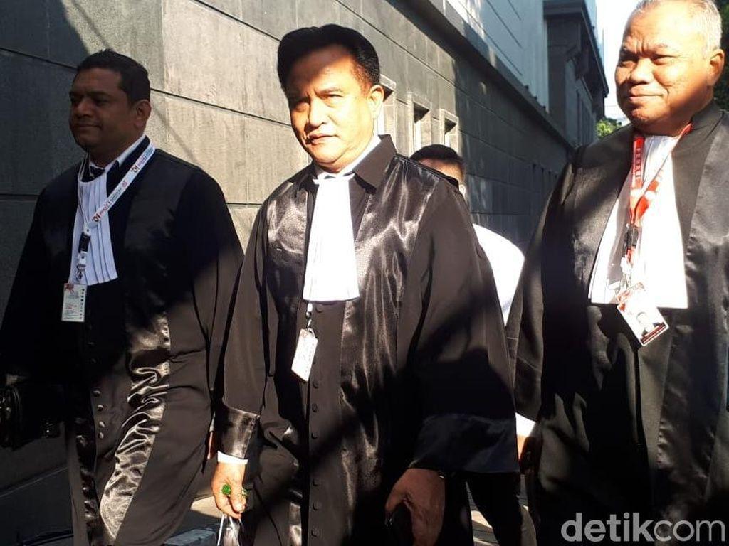 Tiba di MK, Tim Hukum Jokowi Siap Jawab Gugatan Prabowo