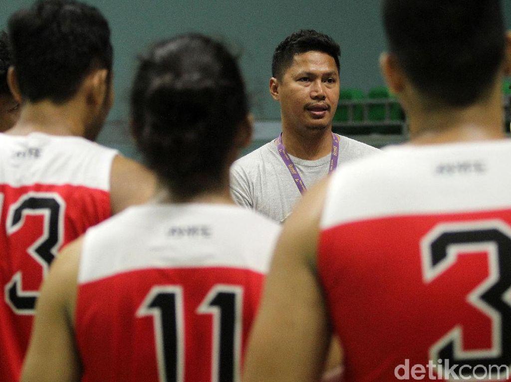 Toroman Jadi Kandidat Pelatih Timnas Basket, Bagaimana Nasib Wahyu Cacing?