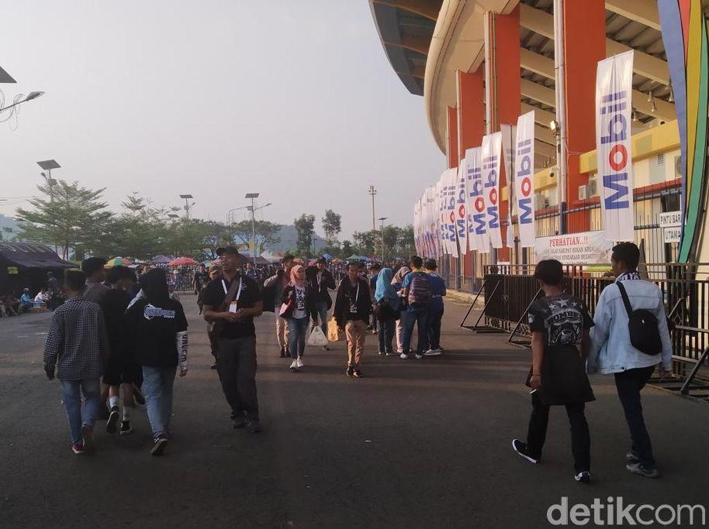 Bobotoh Padati Stadion Si Jalak Harupat Jelang Persib vs Tira Persikabo