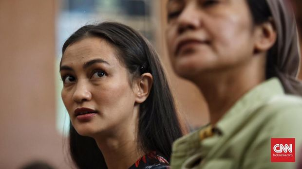 Jelang Vonis Hakim, Ratna Sarumpaet Berharap Bebas
