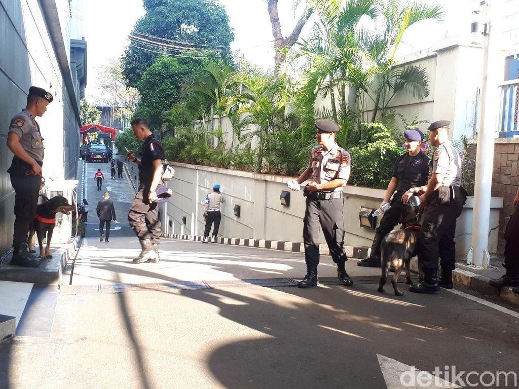 Video 13 Ribu Anggota TNI/Polri Siaga di MK Jelang Pembacaan Putusan