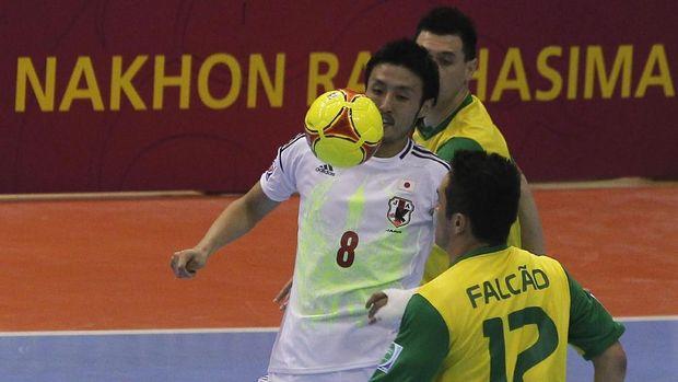 Kensuke Takahashi meraih banyak sukses bersama timnas futsal Jepang.