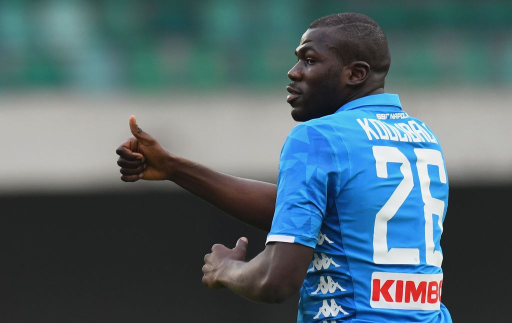 VERONA, ITALY - APRIL 14:  Kaldou Koulibaly of SSC Napoli celebrates after scoring the opening goal during the Serie A match between Chievo Verona and SSC Napoli at Stadio Marc'Antonio Bentegodi on April 14, 2019 in Verona, Italy.  (Photo by Alessandro Sabattini/Getty Images)