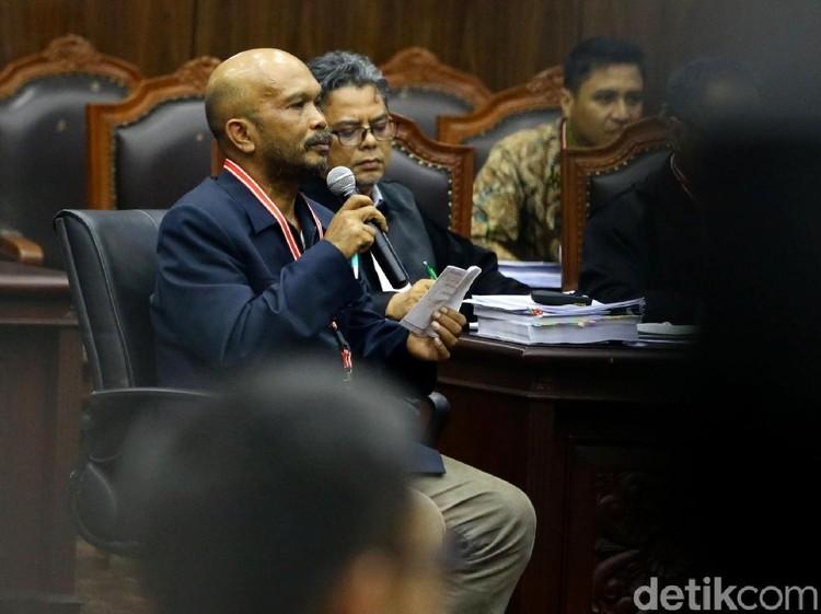 Video KPU Pertanyakan Kecamatan Siluman ke Saksi Prabowo
