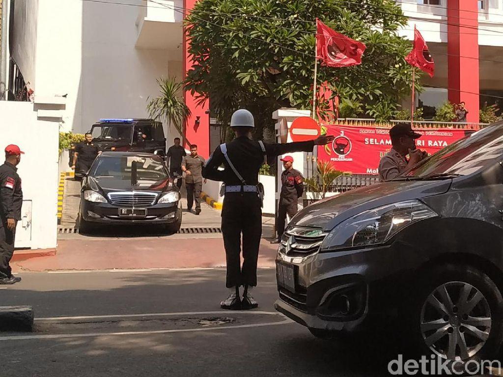 3 Jam Ikut Rakernas, Jokowi Tinggalkan Kantor PDIP