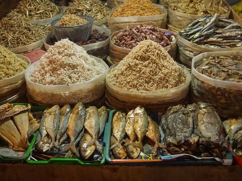 Ramai Soal Impor Ikan Asin, Ini 5 Ikan Asin Lokal yang Enaknya Kebangetan