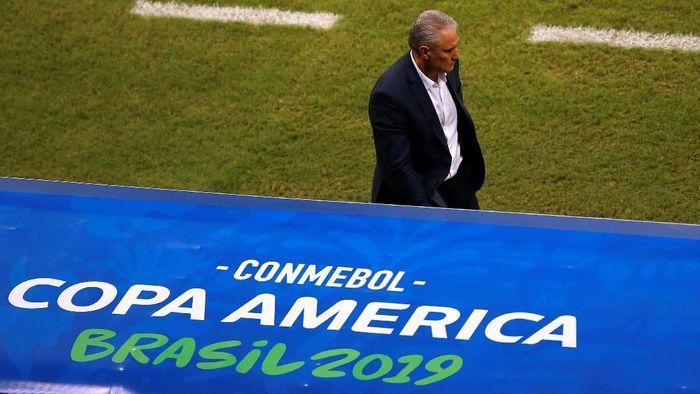 Pelatih TImnas Brasil, Tite, tak mengeluh soal VAR [pasca ditahan Venezuela 0-0 di Copa America. (Foto: Luisa Gonzalez/Reuters)