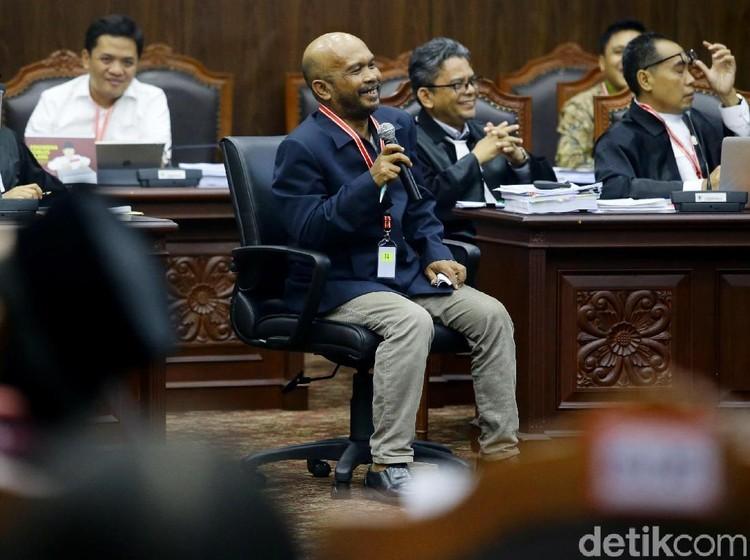 Saksi Sebut NIK Siluman di Bogor-Sulsel, KPU: Tahu Pemenangnya di Situ?