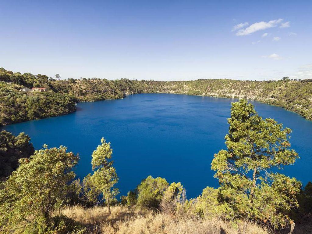 Potret Danau Terjernih di Dunia