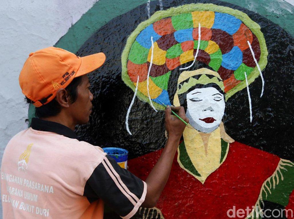 Mural Sambut HUT DKI Jakarta Percantik Jalanan Ibu Kota