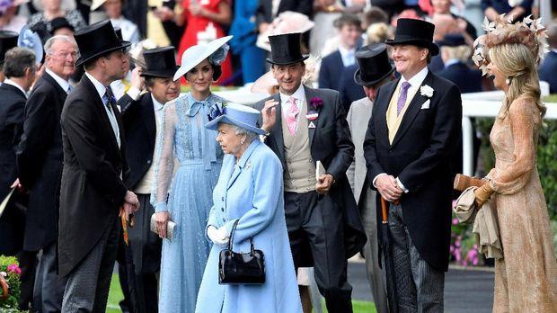 Kate Middleton dan Ratu Elizabeth II