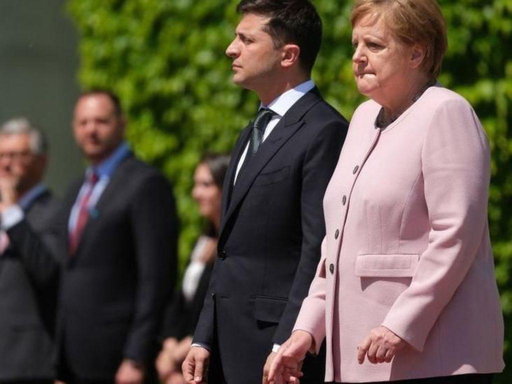 Kejang-kejang Saat Upacara, Kanselir Jerman Mengaku Baik-baik Saja