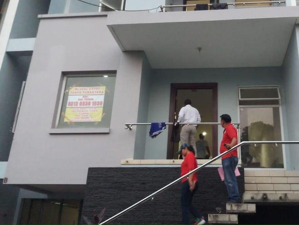 Cegah Narkoba, Polisi Cek Urine Warga di Hunian Eksklusif di Jaksel