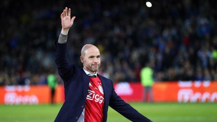 Erik ten Hag perpanjang kontrak di Ajax Amstedam (Dean Mouhtaropoulos/Getty Images)