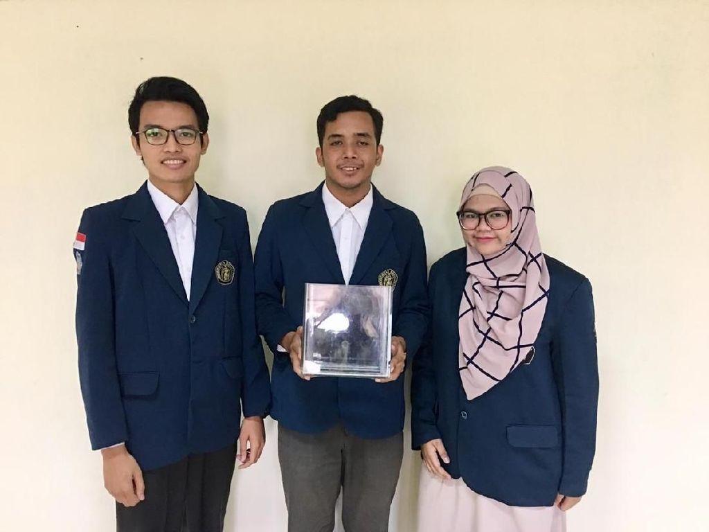 3 Mahasiswa Unibraw Ciptakan Energi Listrik dari Limbah Rumah Potong Hewan