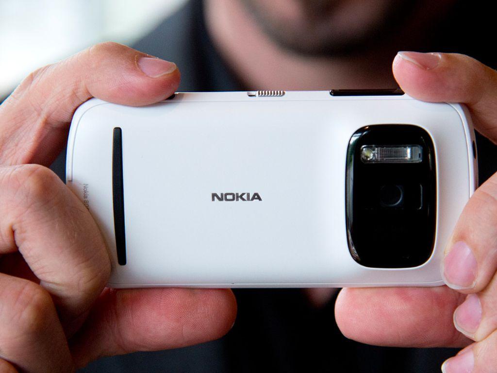 Mengenang Nokia 808 Pureview yang Kameranya Dahsyat