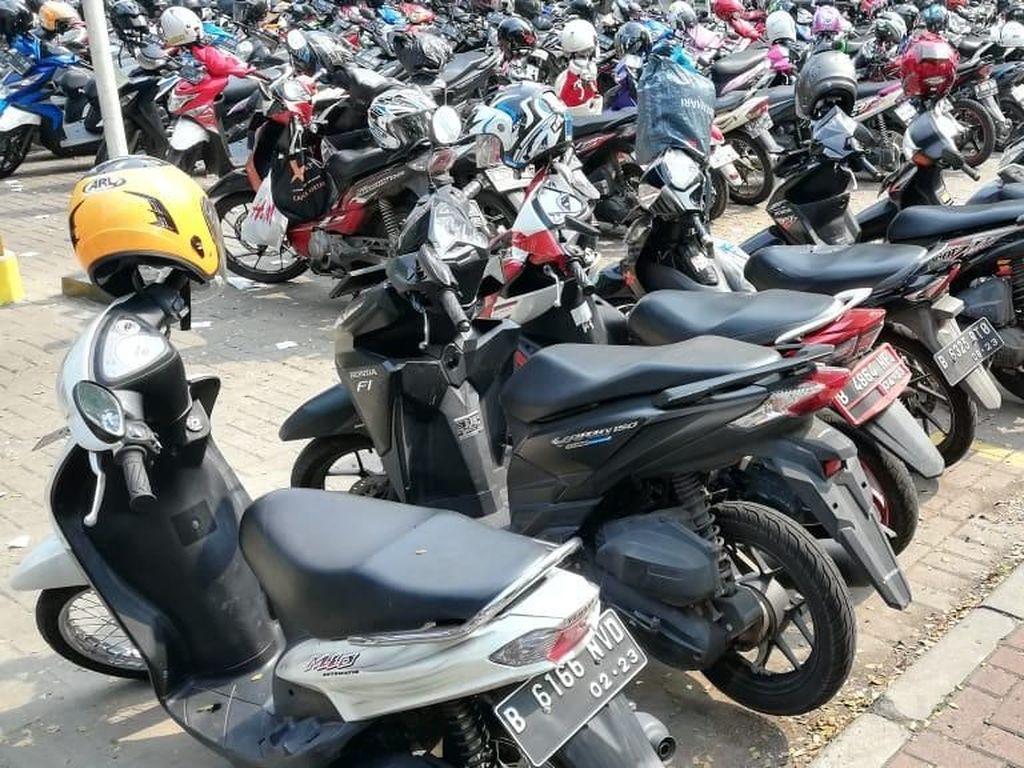 Lahan Parkir Cetak Puluhan Juta Rupiah hingga Buka Lapangan Kerja